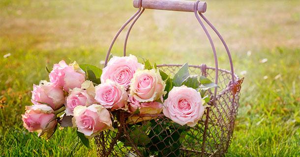 regalar ramo de flores en cesta - cómprala en amazon